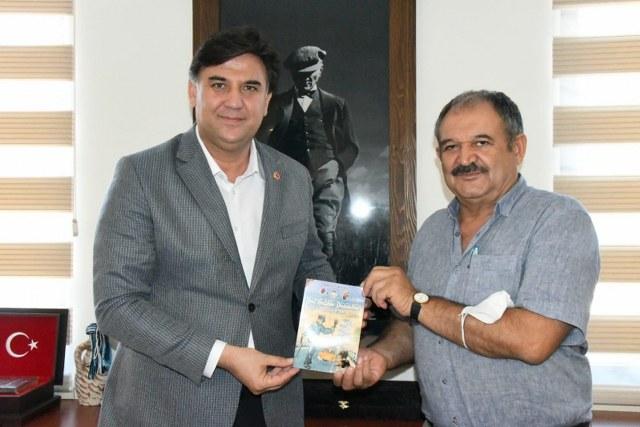 Efsane Müdür Arslan'dan Başkan Belediye Karaca'ya Ziyaret1_640x427