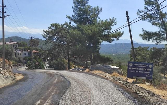 Fethiye ve Seydikemer'de 18 kilometre uzunluğunda yol asfaltlandı (2)_640x405